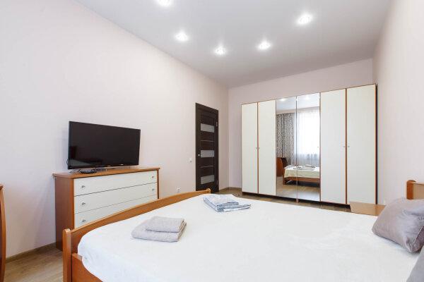 1-комн. квартира, 36 кв.м. на 3 человека, улица Ленина, 40, Иркутск - Фотография 1