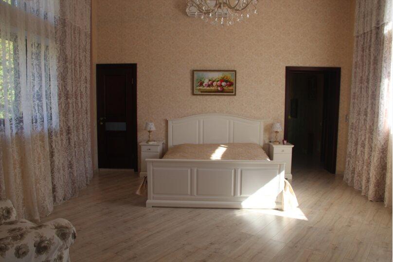 Шикарная вилла вблизи Кавказского заповедника, 1000 кв.м. на 12 человек, 7 спален, Ачишховская улица, 74, Красная Поляна - Фотография 62