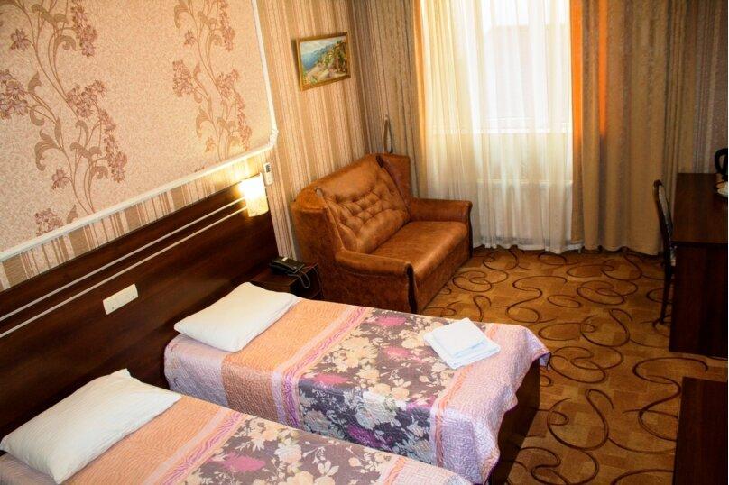 Комфорт с двумя односпальными кроватями, проспект Победы, 65, Симферополь - Фотография 1