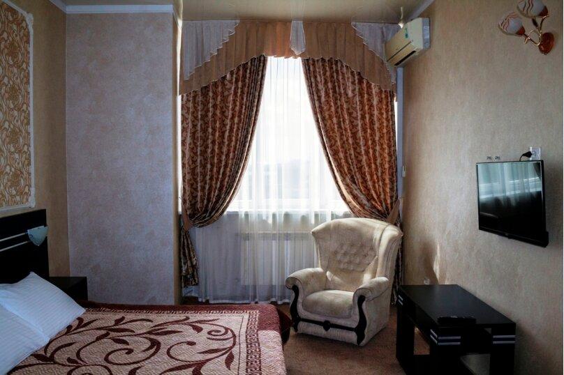 Люкс, проспект Победы, 65, Симферополь - Фотография 1