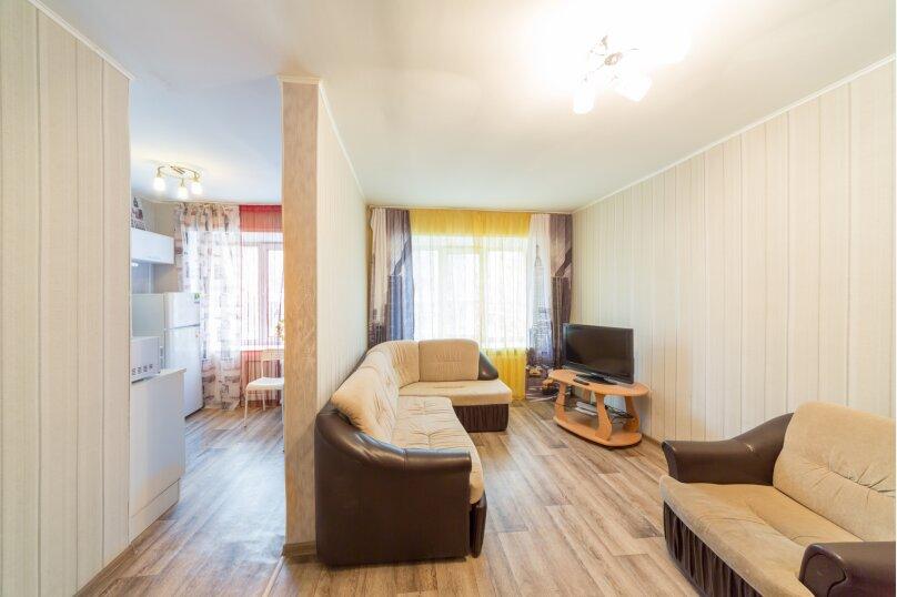 2-комн. квартира, 45 кв.м. на 4 человека, Комсомольский проспект, 24, Пермь - Фотография 2