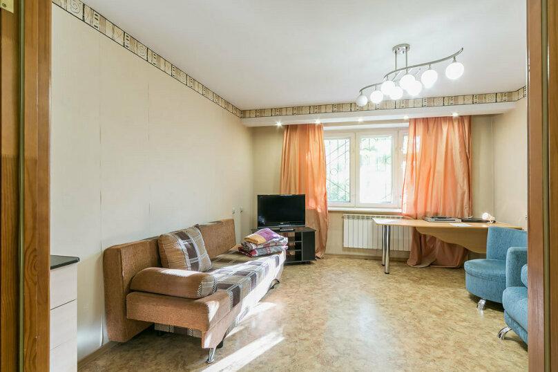 2-комн. квартира, 70 кв.м. на 6 человек, улица Мира, 74, Пермь - Фотография 8