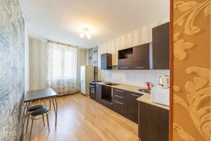 2-комн. квартира, 70 кв.м. на 6 человек, шоссе Космонавтов, 215, Пермь - Фотография 4