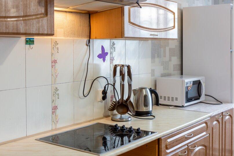 2-комн. квартира, 70 кв.м. на 6 человек, шоссе Космонавтов, 213, Пермь - Фотография 8