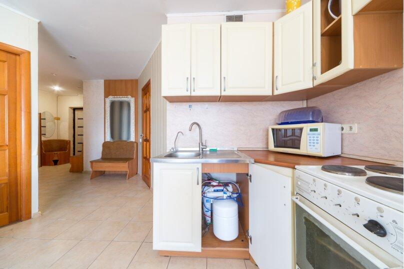 2-комн. квартира, 65 кв.м. на 6 человек, улица Мира, 45, Пермь - Фотография 8