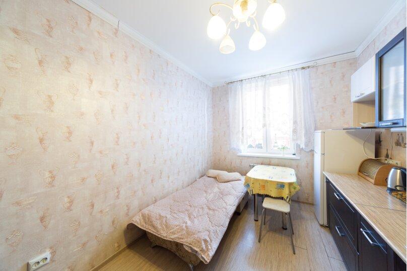 2-комн. квартира, 70 кв.м. на 6 человек, шоссе Космонавтов, 215, Пермь - Фотография 24