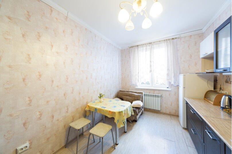 2-комн. квартира, 70 кв.м. на 6 человек, шоссе Космонавтов, 215, Пермь - Фотография 25