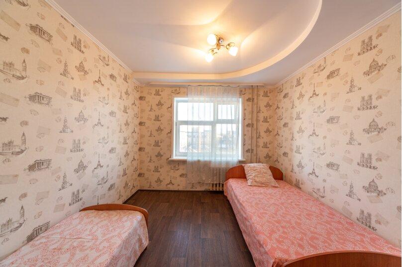 2-комн. квартира, 60 кв.м. на 5 человек, улица Танкистов, 9, Пермь - Фотография 17