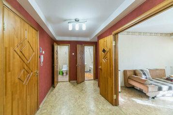 2-комн. квартира, 70 кв.м. на 6 человек, улица Мира, 74, Пермь - Фотография 3