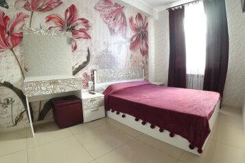2-комн. квартира, 54 кв.м. на 4 человека, Камышовое шоссе, 68Б, Севастополь - Фотография 1