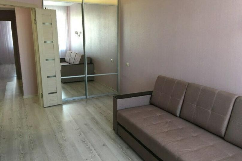 2-комн. квартира, 65 кв.м. на 5 человек, улица Красный Путь, 105к1, Омск - Фотография 2