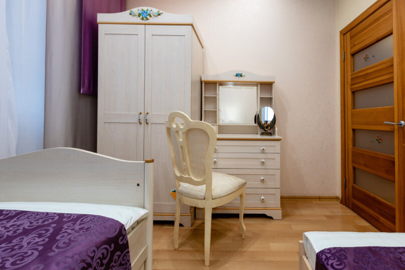 3-комн. квартира, 140 кв.м. на 6 человек, улица 9 Мая, 19А, Красноярск - Фотография 15