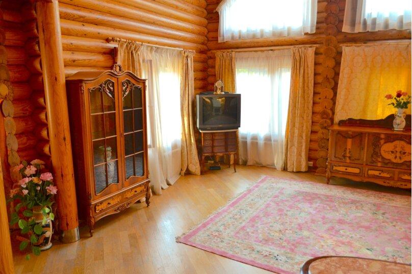 Шикарная усадьба, 250 кв.м. на 8 человек, 3 спальни, Эстонская улица, 144, Красная Поляна - Фотография 2