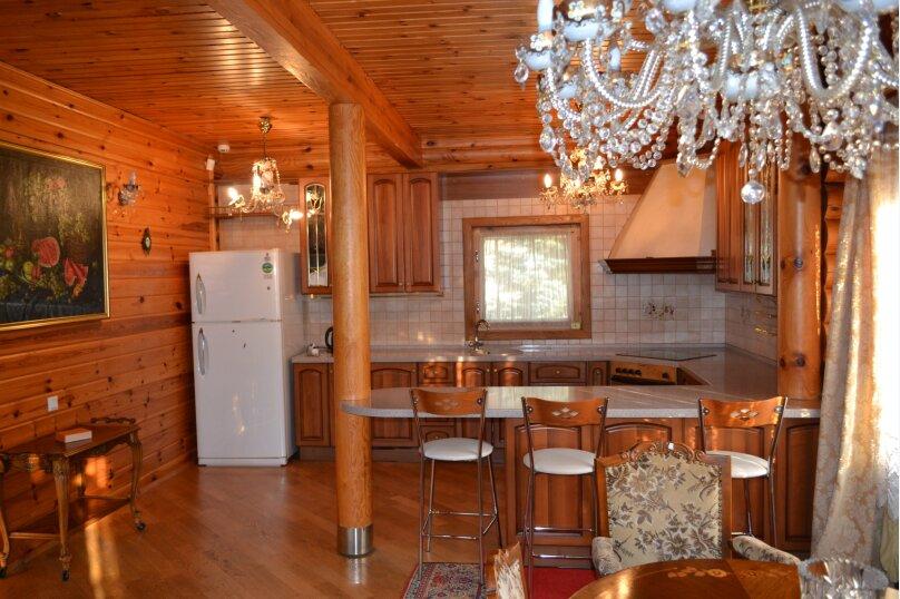 Шикарная усадьба, 250 кв.м. на 8 человек, 3 спальни, Эстонская улица, 144, Красная Поляна - Фотография 15