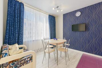 2-комн. квартира, 45 кв.м. на 5 человек, Кременчугская улица, 17к2, Санкт-Петербург - Фотография 1