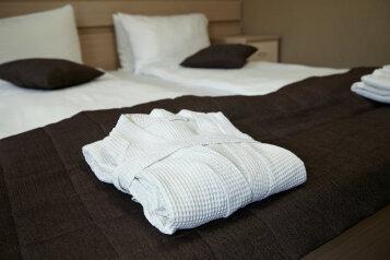 Отель, Большая Покровская, 25 на 14 номеров - Фотография 2