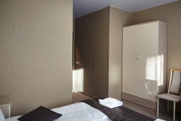 Отель, Большая Покровская, 25 на 14 номеров - Фотография 4