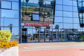 """Отель """"Терминал Адлер"""", улица Ленина, 113 на 24 номера - Фотография 1"""