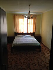2-комн. квартира, 40 кв.м. на 4 человека, улица Мачавариани, 34, Сухум - Фотография 2