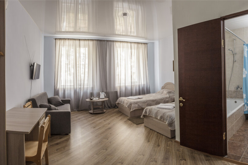 Стандарт улучшенный с 1,5 сп. кроватями+диван, Деповская улица, 20, Йошкар-Ола - Фотография 1