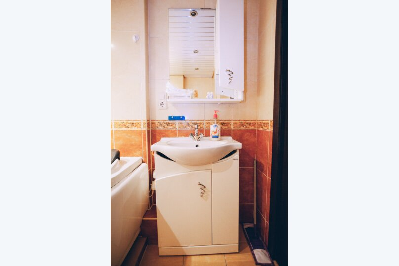 2-комн. квартира, 50 кв.м. на 4 человека, Русская улица, 11А, Владивосток - Фотография 15