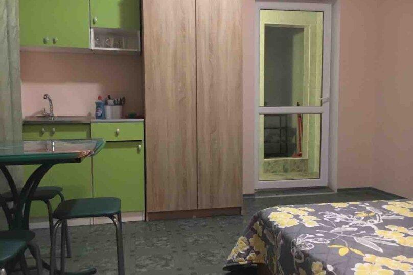 Стандарт 2-комнатный 4-местный с кух. зоной и доп. местом, Морская, 4, сектор 4, строение 5А, Саки - Фотография 1