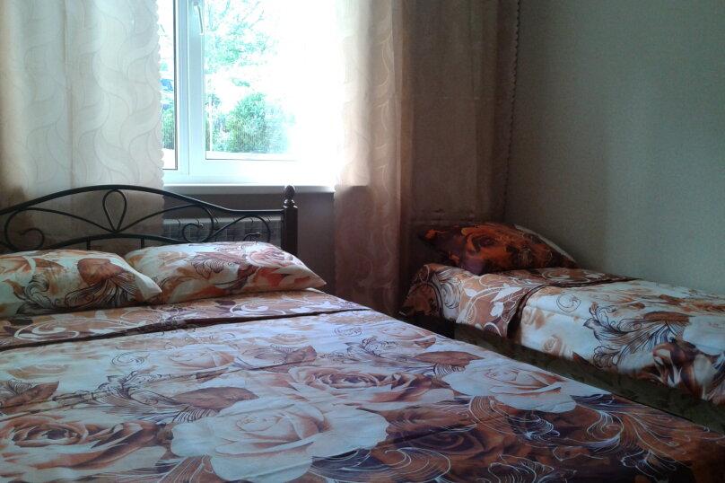 """Гостевой номер в частном доме """"На Седова 18"""", улица Седова, 18 на 1 комнату - Фотография 2"""