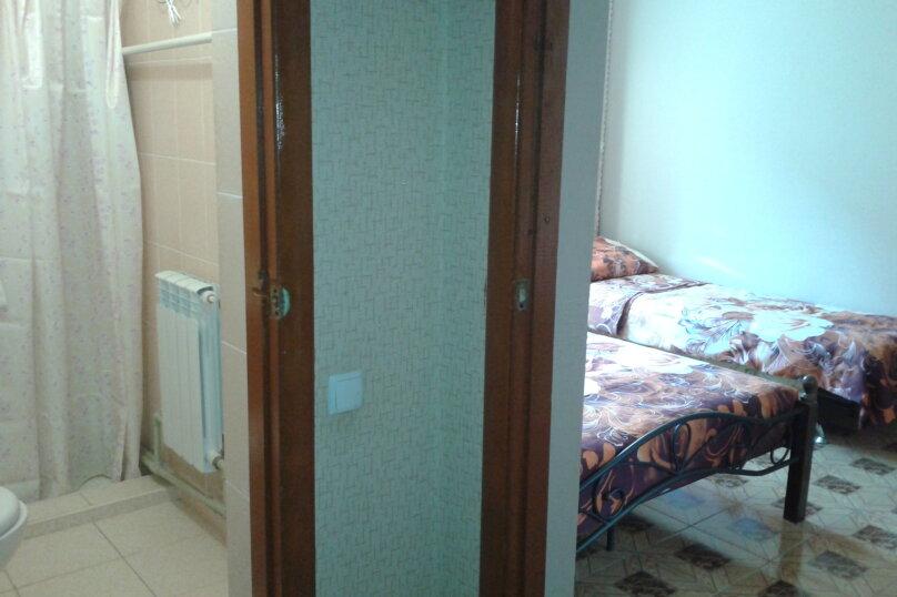 """Гостевой номер в частном доме """"На Седова 18"""", улица Седова, 18 на 1 комнату - Фотография 3"""