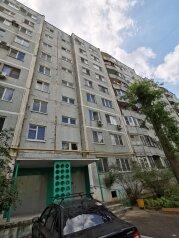 2-комн. квартира, 56 кв.м. на 5 человек, улица Константина Симонова, 20, Волгоград - Фотография 2