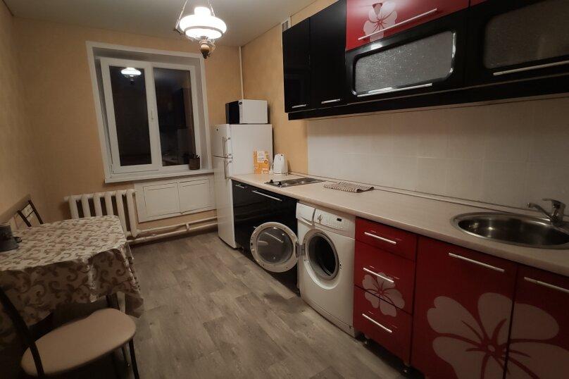 1-комн. квартира, 42 кв.м. на 1 человек, улица Автостроителей, 5, Тольятти - Фотография 7