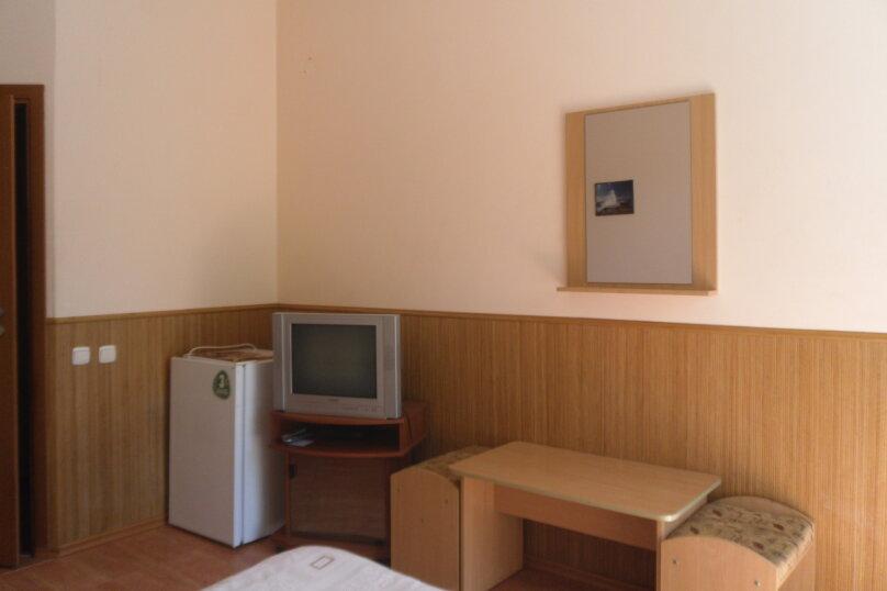 """Гостевой дом """"Ребекка"""" , улица Краснодонцев, 5 на 4 комнаты - Фотография 43"""