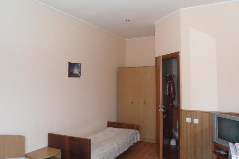 """Гостевой дом """"Ребекка"""" , улица Краснодонцев, 5 на 4 комнаты - Фотография 44"""