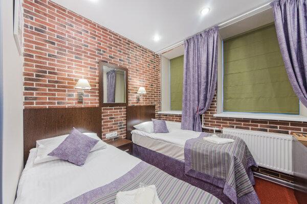 Гостевые комнаты, Захарьевская улица, 21 на 6 номеров - Фотография 1