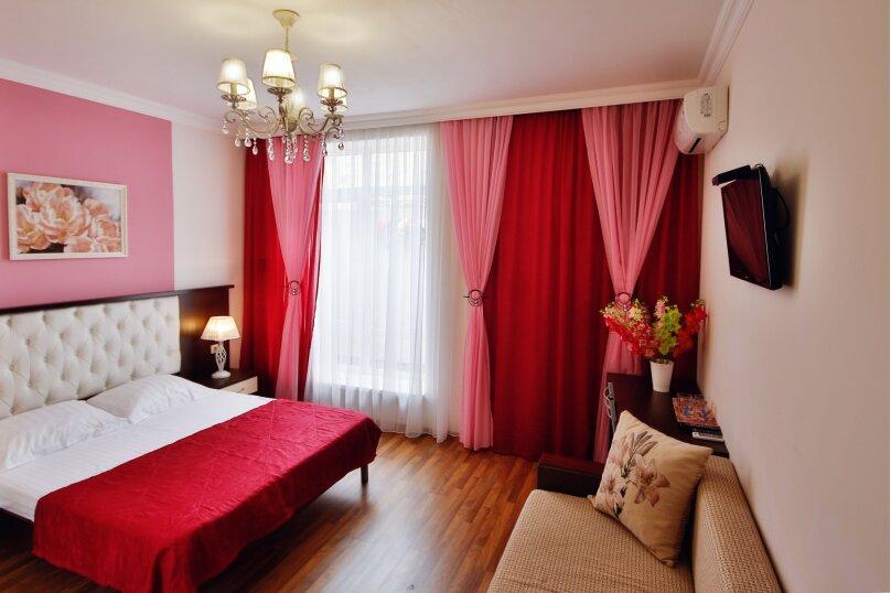 улучшенный номер на 1 этаже с удобствами, Партизанская улица, 58А, Кабардинка - Фотография 1