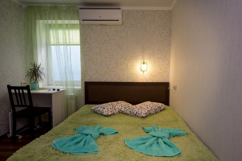 семейная комната с двуспальной кроватью, Красная улица, 5/41, Пятигорск - Фотография 1