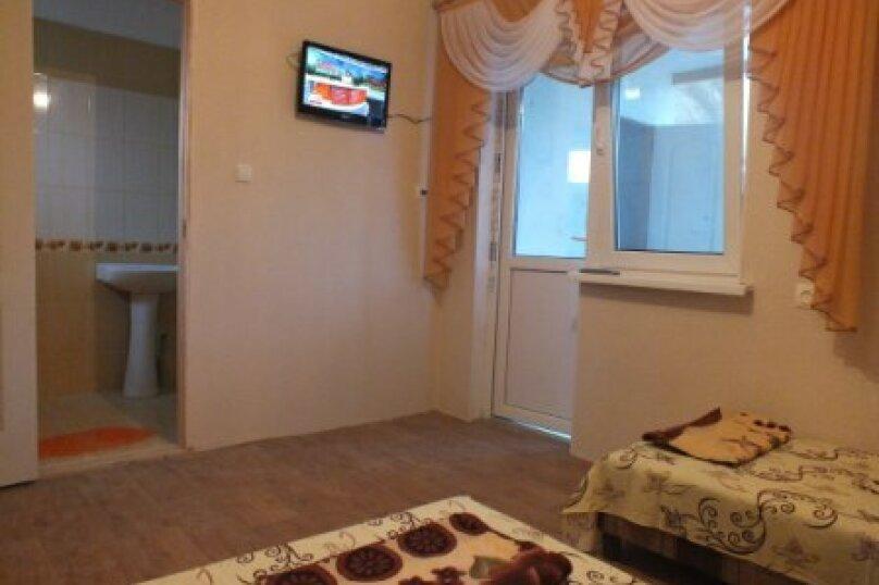 Отдельная комната, тихая, 24МК1, поселок Орджоникидзе, Феодосия - Фотография 1