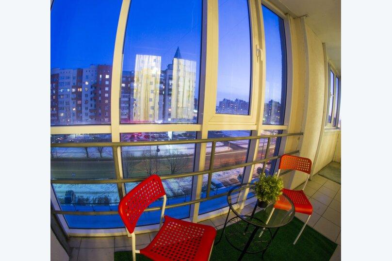 1-комн. квартира, 40 кв.м. на 2 человека, улица Маршала Жукова, 101к1/37, Омск - Фотография 1