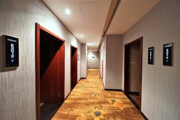 Отель, Таллинская улица, 11 на 96 номеров - Фотография 1