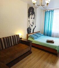 1-комн. квартира, 40 кв.м. на 4 человека, улица Сызранова, 22, Таганрог - Фотография 1