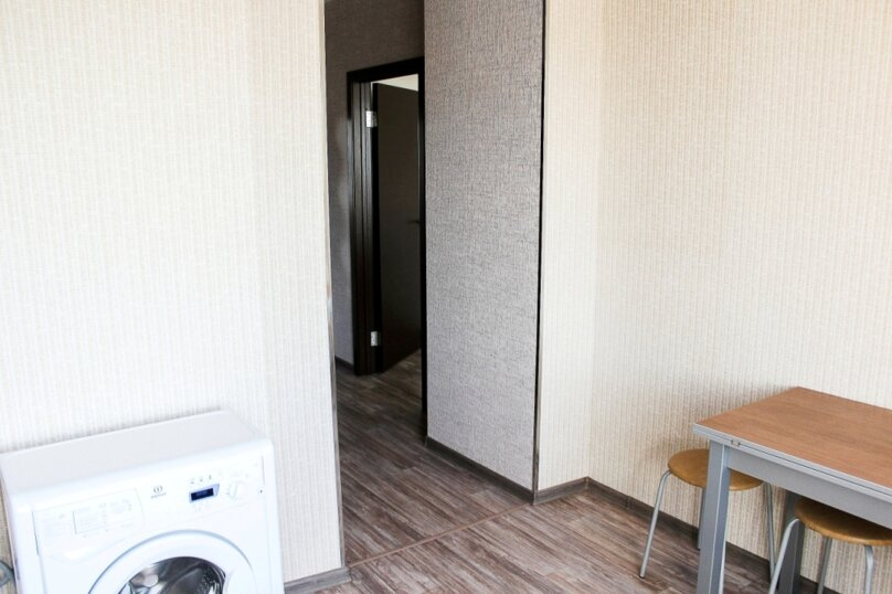 1-комн. квартира, 38 кв.м. на 4 человека, улица 10 лет Октября, 105, Омск - Фотография 12