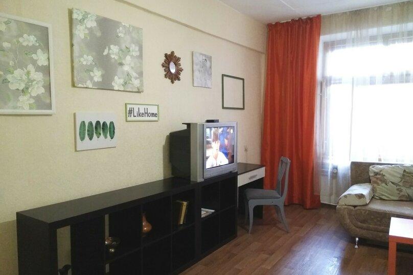 2-комн. квартира, 47 кв.м. на 6 человек, улица Масленникова, 5, Омск - Фотография 5