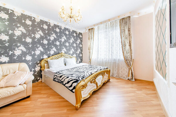 1-комн. квартира, 45 кв.м. на 4 человека, проспект Машерова, 43, Минск - Фотография 1