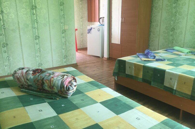 """Гостевой дом """"На Морской 4"""", Морская улица, 4 на 18 комнат - Фотография 23"""