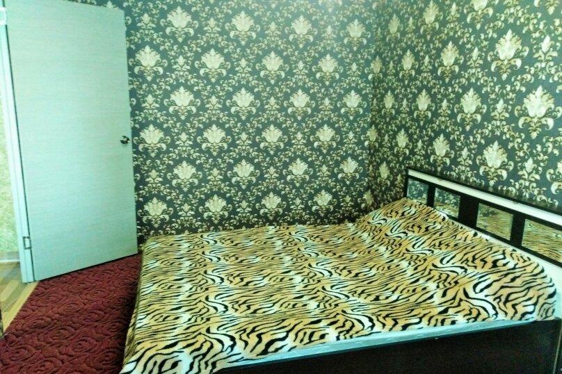 2-комн. квартира, 65 кв.м. на 4 человека, улица 78-й Добровольческой Бригады, 19, Красноярск - Фотография 4