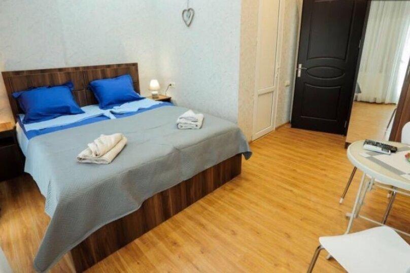 3-комн. квартира, 90 кв.м. на 6 человек, Авлабари, улица Владимира Месхишвили, 12, Тбилиси - Фотография 6