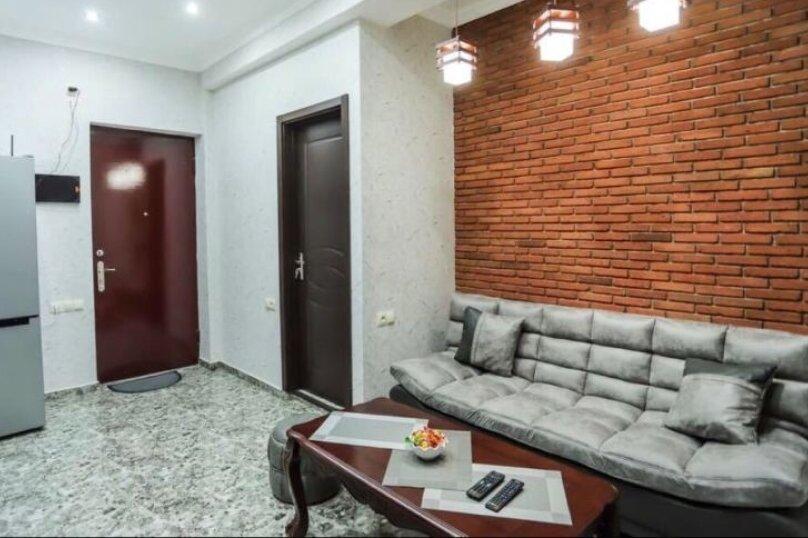 3-комн. квартира, 90 кв.м. на 6 человек, Авлабари, улица Владимира Месхишвили, 12, Тбилиси - Фотография 7
