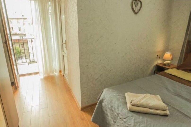 3-комн. квартира, 90 кв.м. на 6 человек, Авлабари, улица Владимира Месхишвили, 12, Тбилиси - Фотография 8