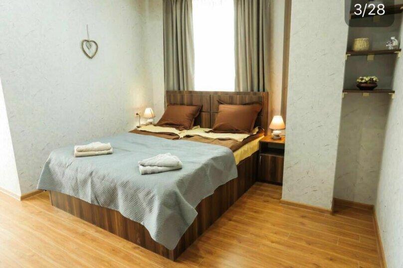 3-комн. квартира, 90 кв.м. на 6 человек, Авлабари, улица Владимира Месхишвили, 12, Тбилиси - Фотография 14