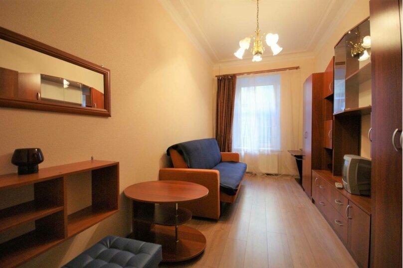3-комн. квартира, 64 кв.м. на 6 человек, 14-я линия Васильевского острова, 35, Санкт-Петербург - Фотография 2