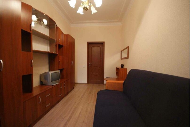 3-комн. квартира, 64 кв.м. на 6 человек, 14-я линия Васильевского острова, 35, Санкт-Петербург - Фотография 13